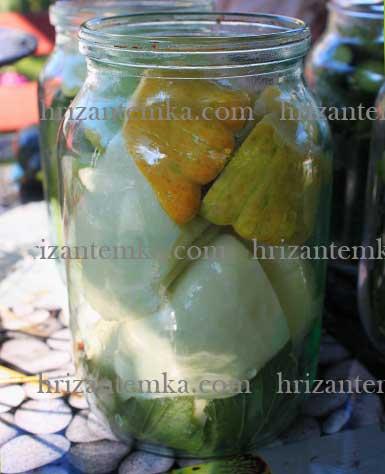 Мариновані огірки в томатному соку