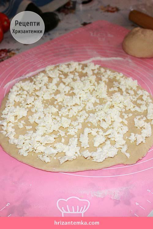 Хачапурі по-аджарськи з домашнім сиром
